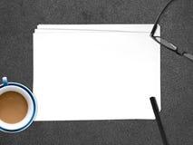 插入文本的空的白皮书文件 库存照片