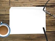 插入文本的空的白皮书文件 图库摄影