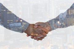 握手企业手震动握手的成交成功欢迎 免版税库存照片
