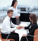 握手的商务伙伴在业务会议以后 免版税图库摄影