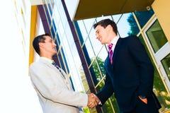 握手的商务伙伴 库存图片