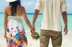 握手的夫妇 免版税图库摄影