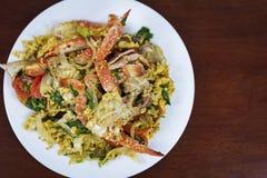 搅动与咖喱粉,泰国食物的油煎的螃蟹 免版税库存图片