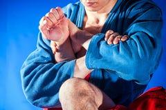 搏斗人的摔跤手做提议 免版税库存图片