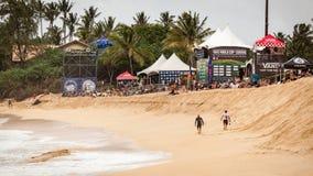 搬运车世界杯日落海滩 免版税库存照片
