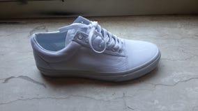 搬运车鞋子白色 库存照片