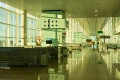 搭乘休息室在巴塞罗那国际机场El相互的Prat 库存照片