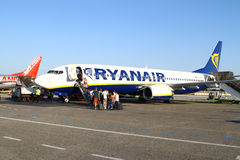 搭乘Ryanair 库存图片