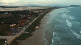 摄制波浪和海滩在一个美妙的地方, Ribanceira海滩 股票视频