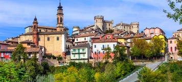 摄影中世纪villageborgo Castigliole d `阿斯蒂在皮耶蒙特 免版税库存图片