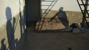 摄影师和模型的阴影 免版税图库摄影