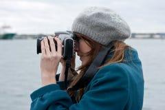 摄影师妇女年轻人 免版税库存照片