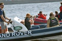 摄影师采取在河的赛船会 库存照片