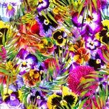 摄影明亮花卉与层状不透明的棕榈叶覆盖物 皇族释放例证