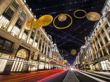 摄政的街道圣诞灯在伦敦 免版税图库摄影