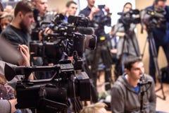 摄象机在新闻招待会 库存图片