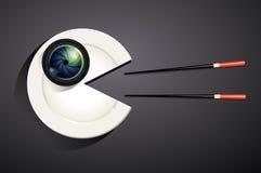 摄象机镜头传染媒介在白色板材的在吃形状 免版税库存照片