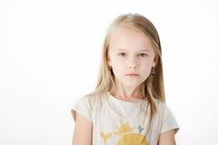 年轻白肤金发的女孩画象  免版税库存图片
