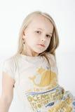 年轻白肤金发的女孩画象  库存照片