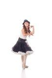 摆在照相机的滑稽的年轻芭蕾舞女演员 免版税库存照片