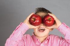 苹果16的孩子 图库摄影