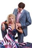 摆在年轻人的夫妇 免版税库存图片
