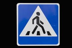 摆正与白色边界路标`行人交叉路`孤立 免版税库存照片
