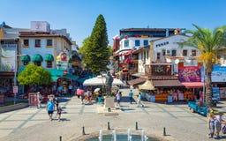 摆正与Attalos II Philadelphos的纪念碑在安塔利亚,土耳其人 图库摄影