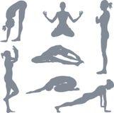 摆瑜伽姿势 免版税库存图片