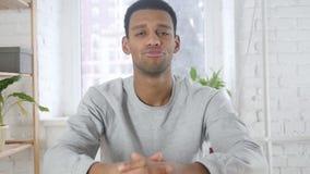 摇头的美国黑人的人画象拒绝,否认,室内 影视素材