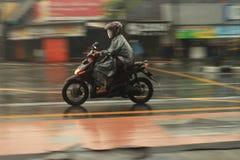 摇摄摩托车 免版税库存照片