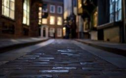 摇晃不稳,肉店历史的街道追溯到中世纪时期的 现在其中一个约克` s主要旅游胜地 图库摄影