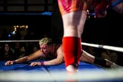 摔跤手被击败 免版税库存照片