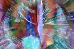 摘要放大或迅速移动长的曝光一条五颜六色的丝带 库存图片