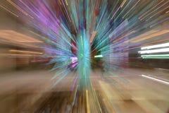 摘要放大或迅速移动长的曝光一条五颜六色的丝带 图库摄影