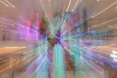 摘要放大或迅速移动长的曝光一条五颜六色的丝带 库存照片