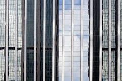 摩天大楼反射 免版税图库摄影