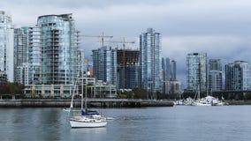 摩天大楼和小船Timelapse在温哥华,加拿大4K 影视素材