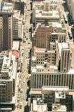摩天大楼和平凡的人生活在商业区 免版税图库摄影