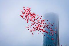 摩天大楼和气球 库存照片