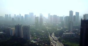 摩天大楼和高速公路交叉点在雅加达 股票录像