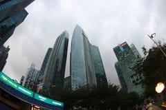 摩天大楼在新加坡的中心 免版税库存图片
