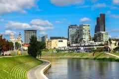摩天大楼在维尔纽斯,立陶宛财政区  大厦现代办公室 免版税图库摄影