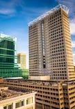 摩天大楼在街市巴尔的摩,马里兰 库存图片