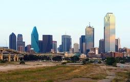 摩天大楼在达拉斯市,街市,得克萨斯,美国 免版税库存照片