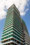 摩天大楼建造场所有蓝色清楚的天空拷贝空间背景 免版税图库摄影