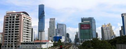 摩天大楼现代门面在曼谷的中心 库存图片