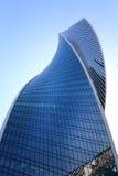 摩天大楼的一个现代明亮的塔的照片 库存照片