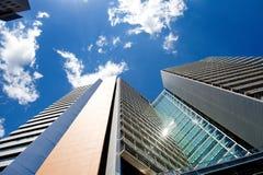 摩天大楼门面,低角度视图,巴塞罗那 免版税库存图片