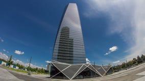 摩天大楼timelapse hyperlapse在与最高的摩天大楼的四个塔商业区在马德里和西班牙 影视素材